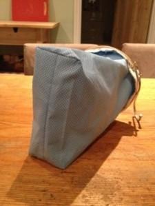 25022014 hoop bag boxed corner