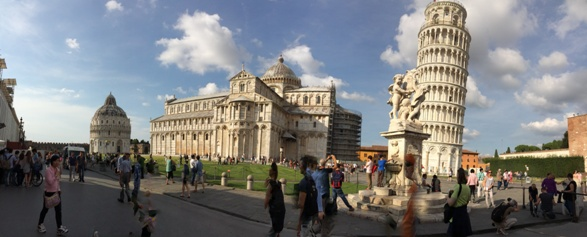 Messing with the iPhone's panorama setting, Pisa