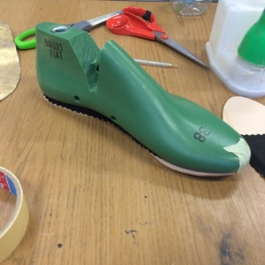 The green mould is called a last - that's my insole taped to the bottom.